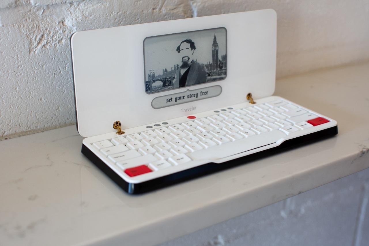 Портативная пишущая машинка Astrohaus Traveler
