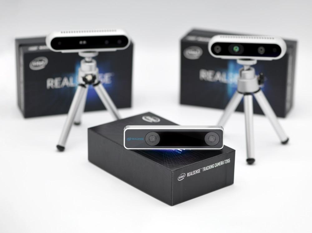 3D-камера Intel RealSense T265 на коробке