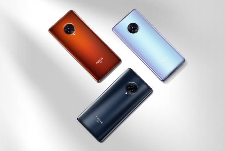Три смартфона Vivo NEX 3S 5G