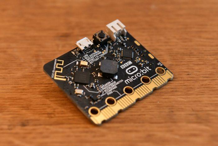 Одноплатный компьютер BBC micro:bit 2-го поколения